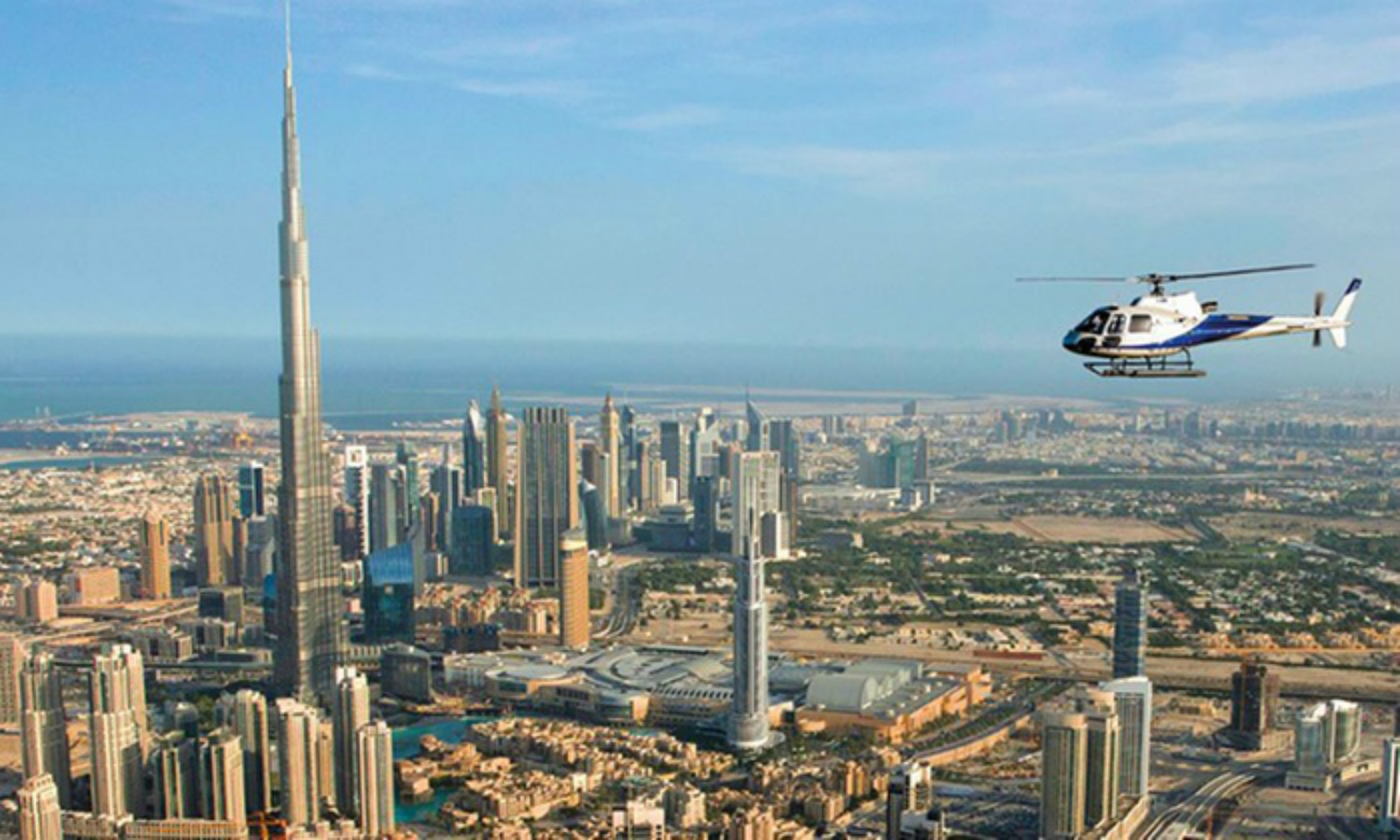 This image has an empty alt attribute; its file name is Helicopter-dubai.jpg