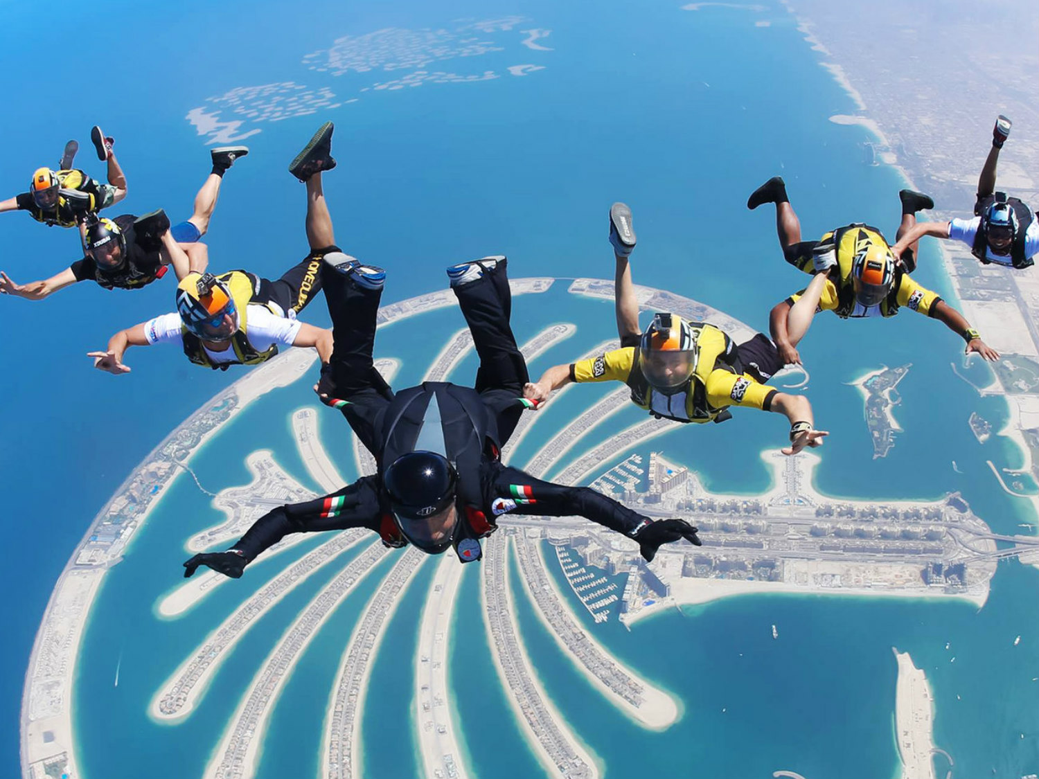This image has an empty alt attribute; its file name is Skydive-Dubai__1.jpg